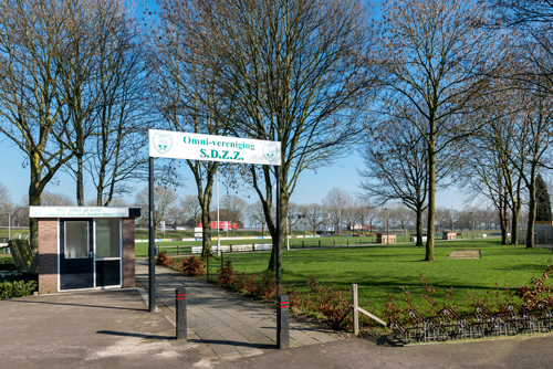 Entree bij voetbalveld van SDZZ De Griethse Poort in Zevenaar